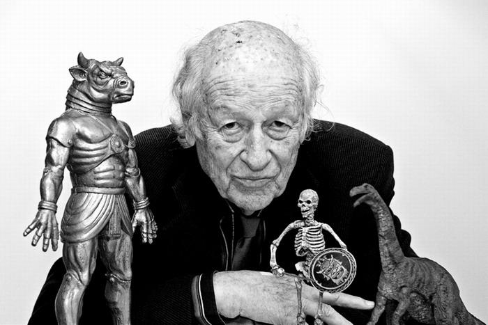 特效先驱、定格动画大师雷·哈利豪森(Ray Harryhausen)去世,享年92岁