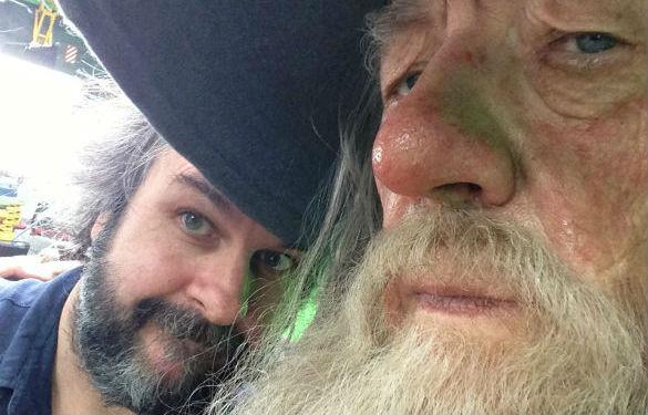 彼得杰克逊补拍《霍比特人》 上传与甘道夫合照