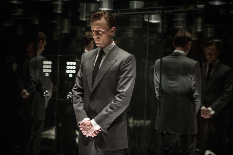 汤姆·希德斯顿(Tom Hiddleston)自曝《高楼》剧照