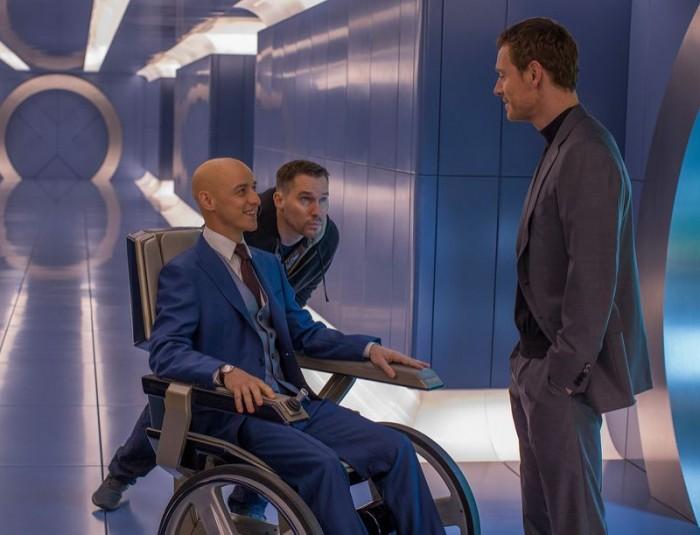 "《X战警:天启》(X-Men: Apocalypse)曝光新片场照 ""鲨美""相视而笑"