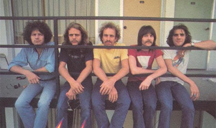 老鹰乐队乐队主唱Don Henley宣布解散 《加州旅馆》真的打烊了