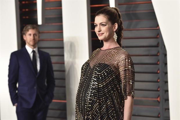 安妮·海瑟薇(Anne Hathaway)已于3月诞下男婴 取名Jonathan Rosebanks Shulman