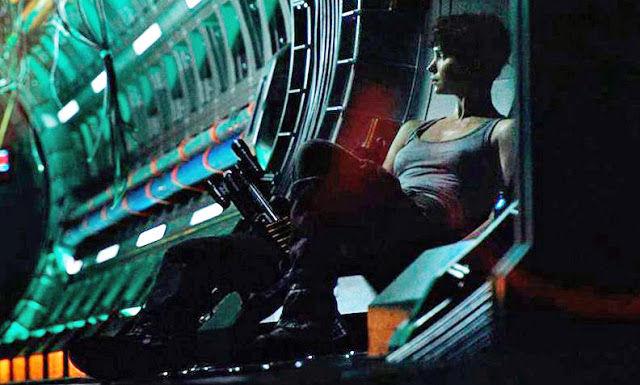 《异形:契约》(Alien: Covenant)杀青发片场照 女主角短发造型似雷普利