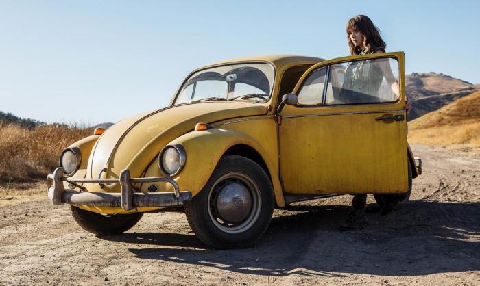 变形金刚衍生电影《大黄蜂》(Bumblebee)发新剧照