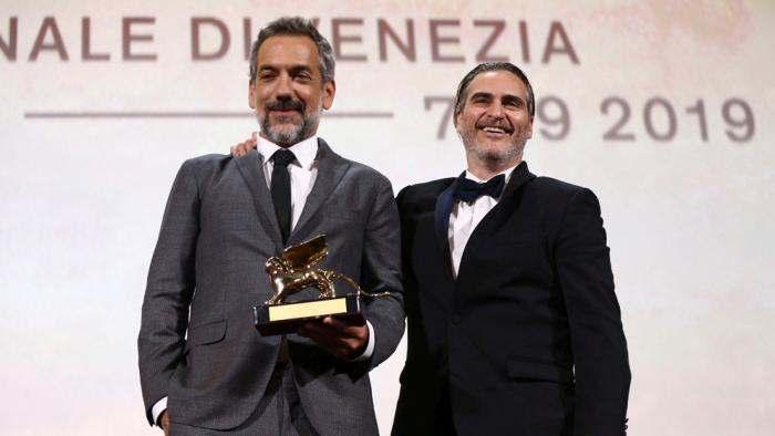 DC漫画电影《小丑》获得威尼斯电影节金狮大奖!