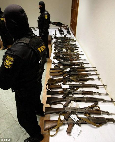 皮特新片《僵尸世界大战》片场道具枪变真枪 警方介入调查