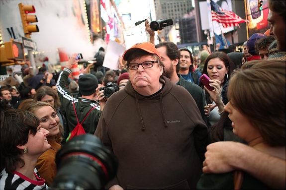 """迈克尔·摩尔将制作新的纪录片,但并非""""占领华尔街"""""""