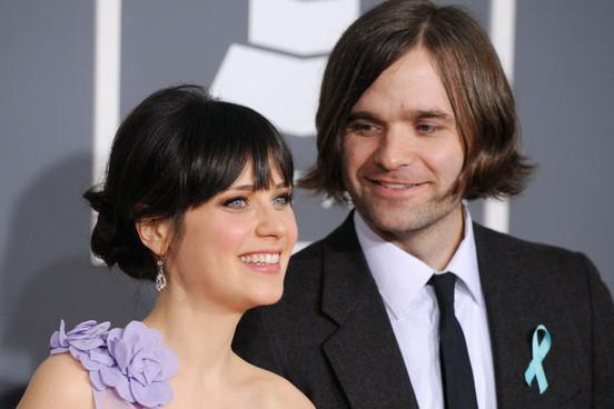 女星Zooey Deschanel与丈夫Ben Gibbard离婚