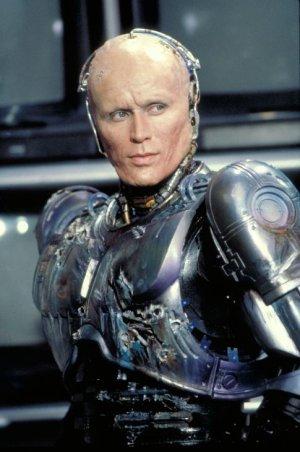 """""""机械战警""""彼得·韦勒加盟《星际迷航》续集"""