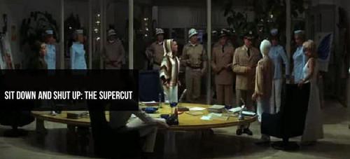那么多片子、那么多演员,但他们都说同一句台词:坐下!闭嘴!