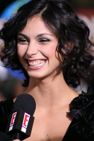 《V星入侵》女星Morena Baccarin将客串《傲骨贤妻》