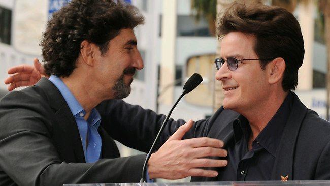 《好汉两个半》传演员片酬冲突 可能遭CBS取消