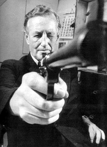 邦德之父 伊安·弗莱明 将被拍成传记片 邓肯·琼斯任导演
