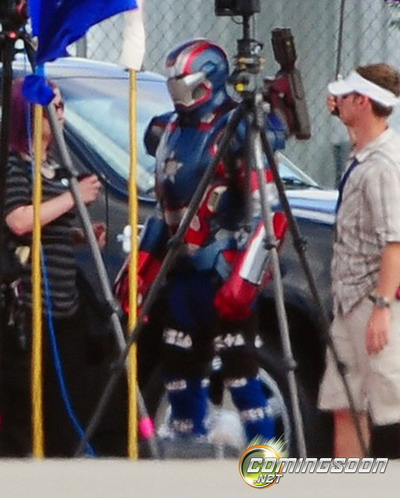 """《钢铁侠3》片场现身""""钢铁爱国者""""(Iron Patriot)"""