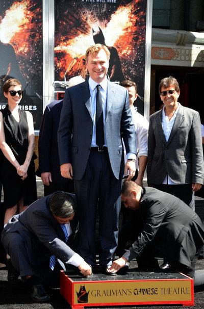 """克里斯托弗·诺兰(Christopher Nolan)星光大道留手印 """"黑暗骑士""""众主创到场[P/V]"""
