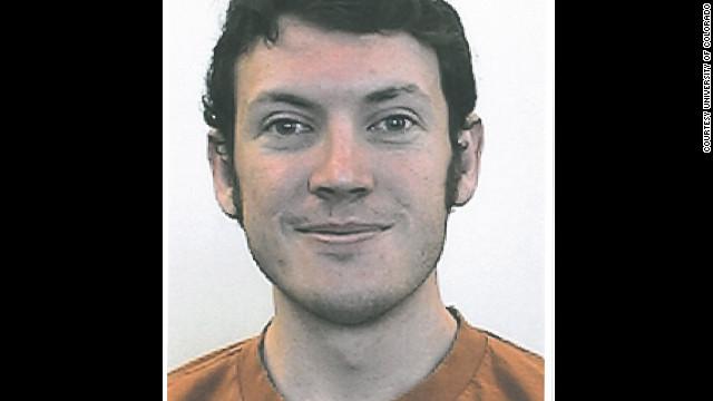 """面具枪手血洗《黑暗骑士崛起》零点场;疑犯已被抓住,身份和照片公布,凶手自称""""小丑""""(Joker)"""