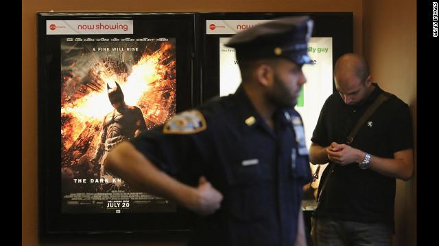 华纳公司将向科罗拉多影院枪击案受害者捐款