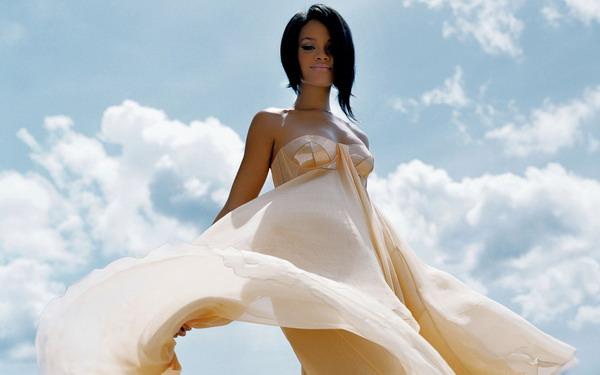 福布斯十大网络社交明星 歌星强势蕾哈娜(Rihanna)领衔