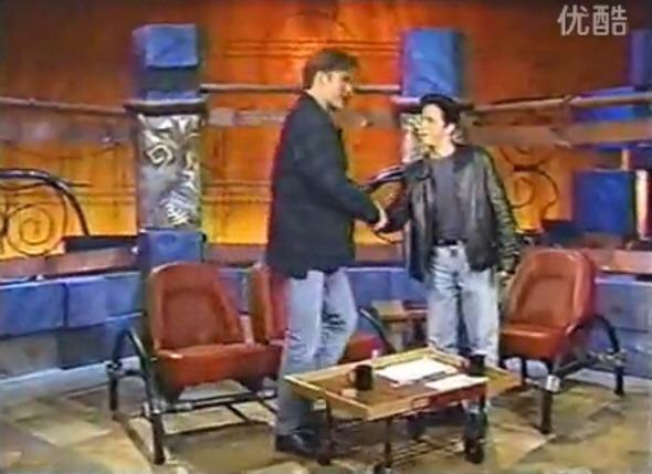 柯南·奥布莱恩(Conan O'Brien)18年前上囧司徒秀和囧叔站在一起的效果[无字幕]