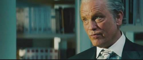 约翰·马尔科维奇首次在预告片中露脸,他饰演的是布鲁斯