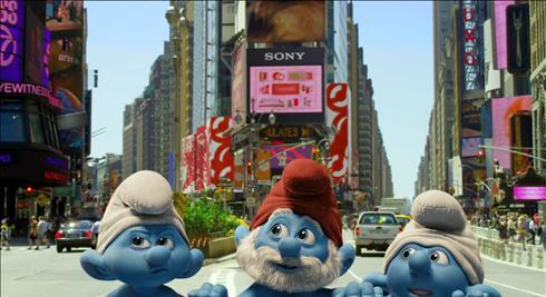 《蓝精灵》终极版预告 蓝家族格格巫欢乐斗法
