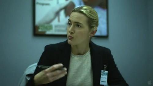 最初追踪病毒的医生,凯特·温斯莱特饰演