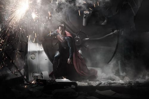 《钢铁之躯》官方剧情曝光 新超人寻找自我