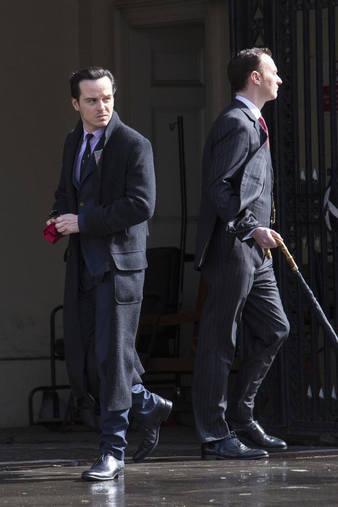 《神探夏洛克》(Sherlock)片场严重剧透 卷福替身上阵揭假死之谜 莫娘再现