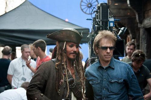 《独行侠》让迪士尼亏损1.9亿美元,《加勒比海盗5》惨遭波及