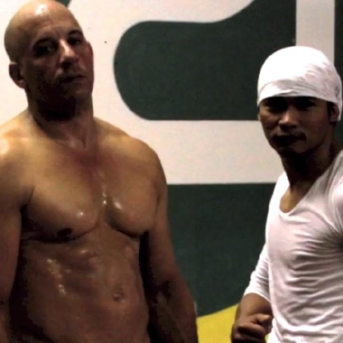 托尼·贾(Tony Jaa)秀《速度与激情7》工作照 将搭档斯坦森演反派