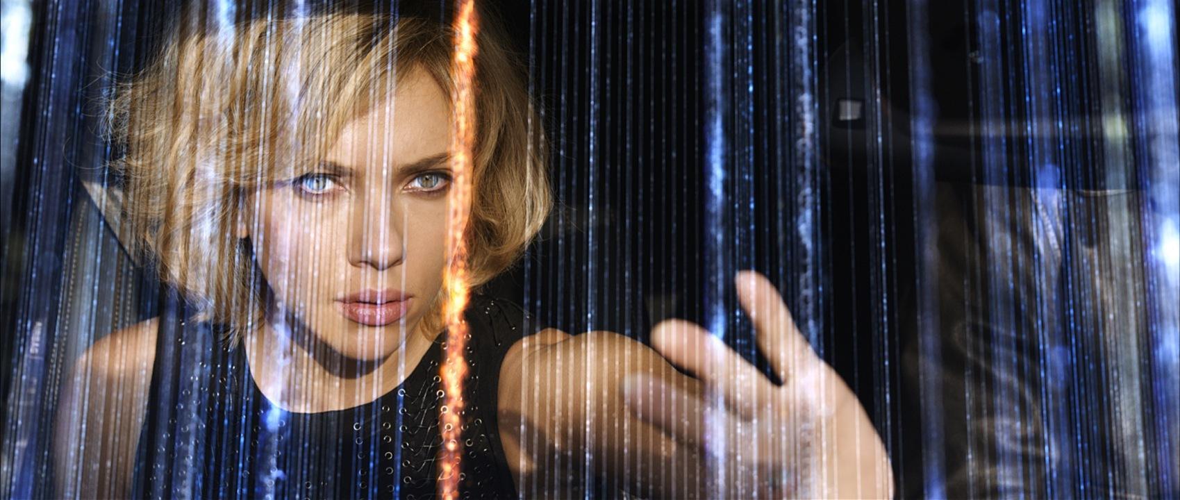 吕克·贝松科幻新作《露西》(Lucy)首曝预告 超能斯嘉丽对阵崔岷植