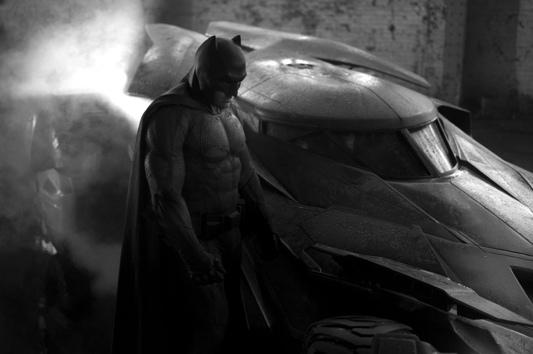 """扎克·斯奈德公布本·阿弗莱克(Ben Affleck)""""蝙蝠侠""""造型"""