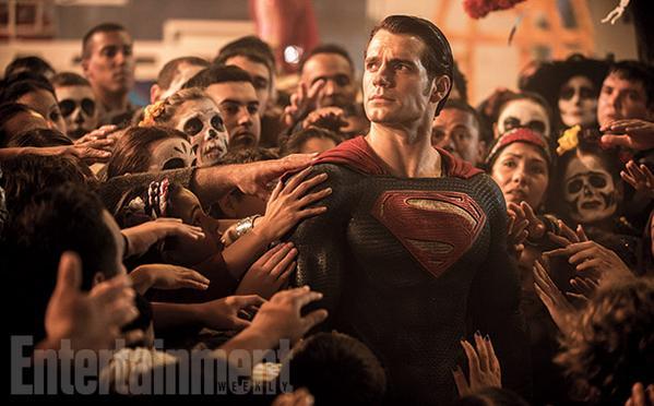 《超人:钢铁之躯》是以超人的角度叙事;《超人大战蝙蝠侠:正义黎明》则是以人类的视角来看超人