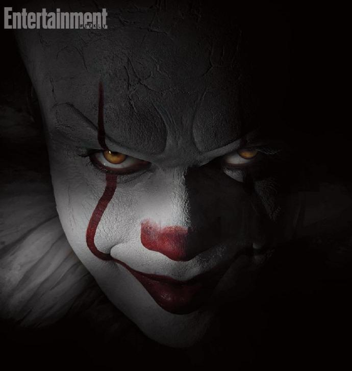 斯蒂芬金小说改编《小丑回魂》首曝定妆照 比尔斯卡斯加德化身小丑露邪魅笑容