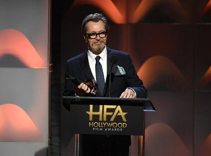 """第21届好莱坞电影奖揭晓,加里·奥德曼获""""事业成就奖"""""""