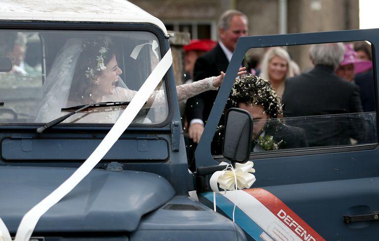 """《权力的游戏》""""雪诺""""基特·哈灵顿(Kit Harington)和""""火吻""""萝斯·莱斯利(Rose Leslie)大婚"""