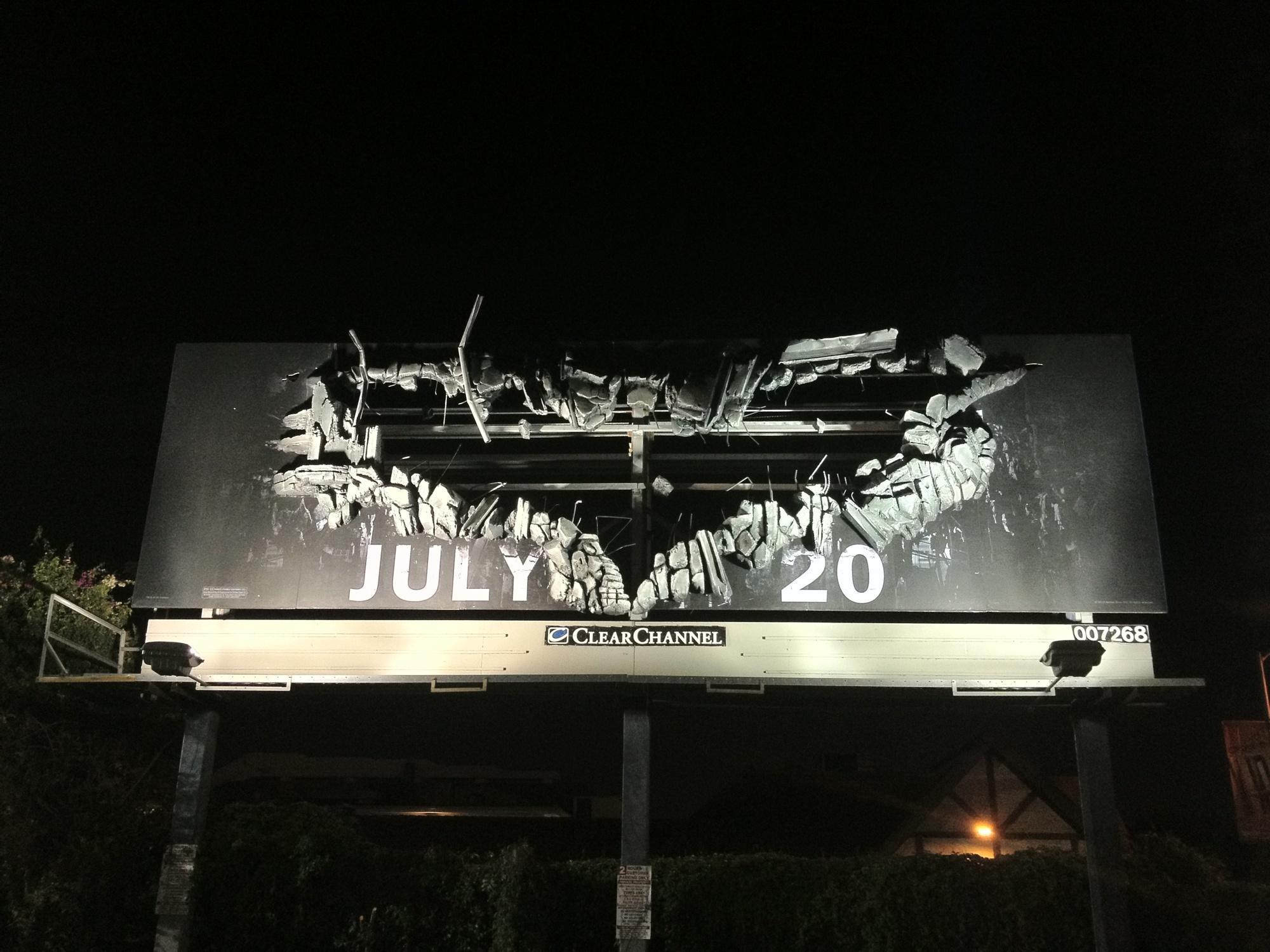 《黑暗骑士崛起》(The Dark Knight Rises)创意户外广告 点击查看大图