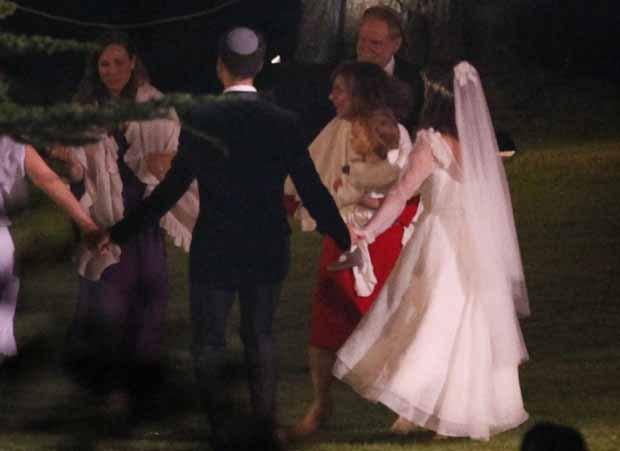 娜塔莉·波特曼(Natalie Portman)与本杰明·米派德(Benjamin Millepied)婚礼图片曝光