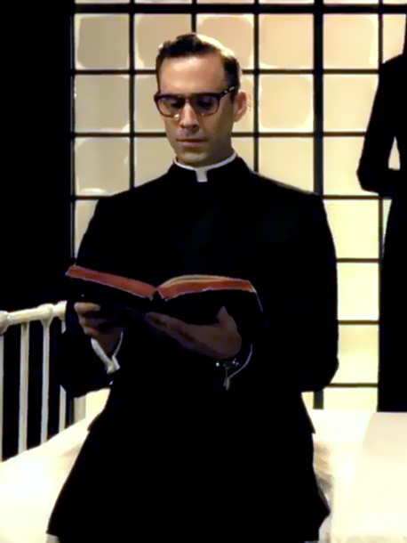 约瑟夫·费因斯 饰演 Timothy O'Hara阁下,修女Jude的上司,也是她的感兴趣的对象