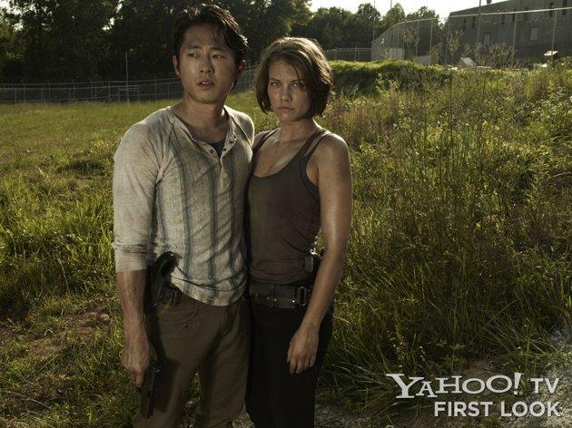 《行尸走肉》(The Walking Dead)第三季定妆照 总督持刀威武霸气