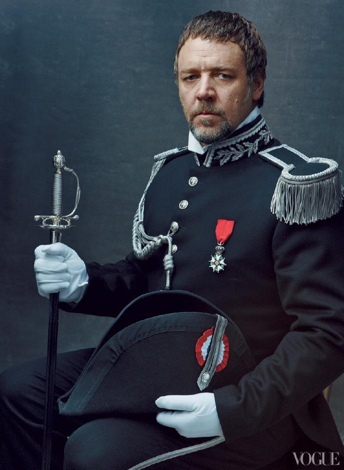 警官沙威(Javert,拉塞尔·克劳饰演)