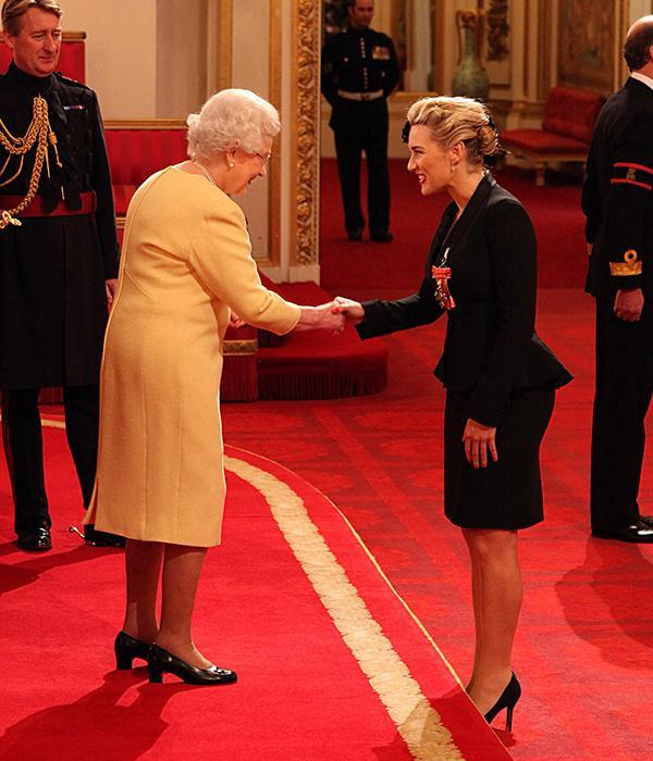凯特·温丝莱特(Kate Winslet)获女王授大英帝国司令(CBE)勋章