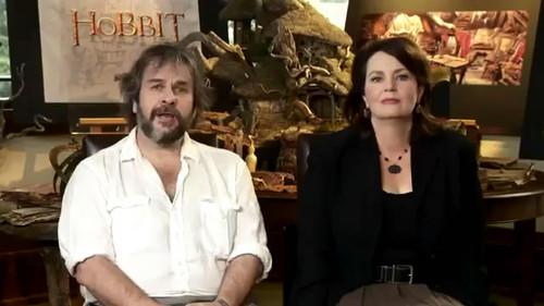 《霍比特人1:意外旅程》曝最终拍摄日志 彼得·杰克逊携爱女亮相