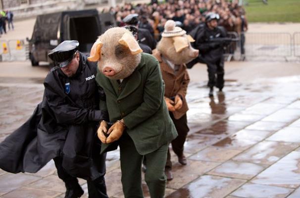 英国卫报内涵广告《三只小猪煮杀大灰狼案》(Three Little Pigs advert)