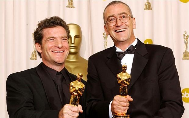 图为迈克·霍普金斯(右)与其长期工作搭档Ethan Van der Ryn