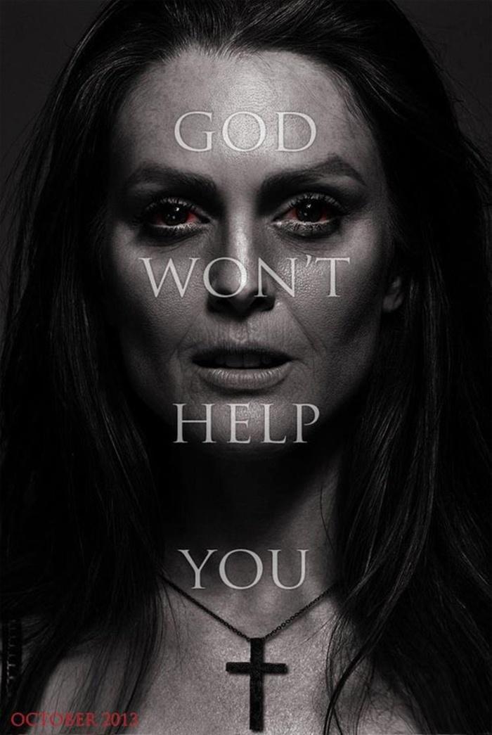 新版《魔女嘉莉》(Carrie)放出 朱丽安·摩尔版海报