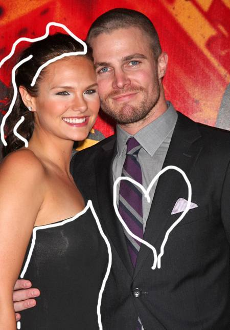 《绿箭侠》(Arrow)主演斯蒂芬·阿梅尔(Stephen Amell)结婚