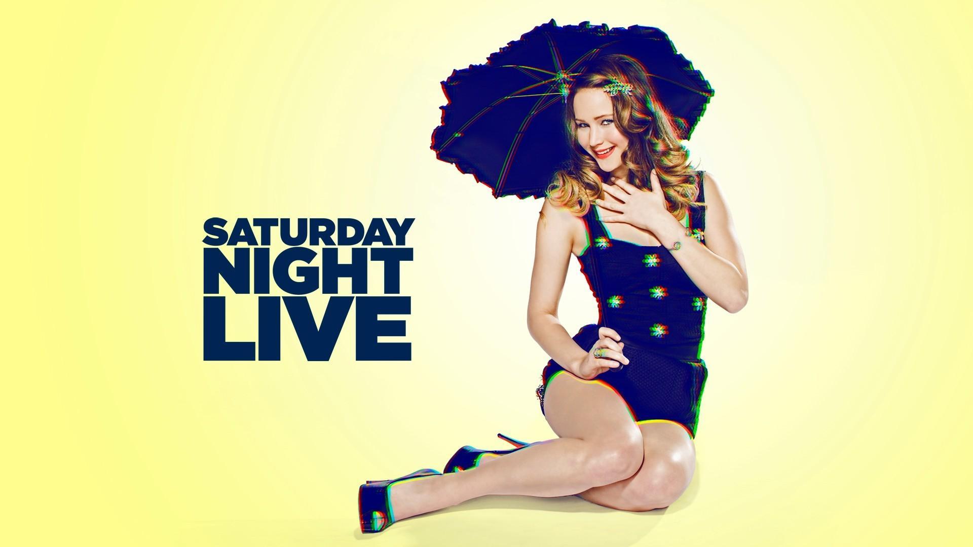 詹妮弗·劳伦斯《周六夜现场》(SNL)写真曝光 做主持大吐垃圾话