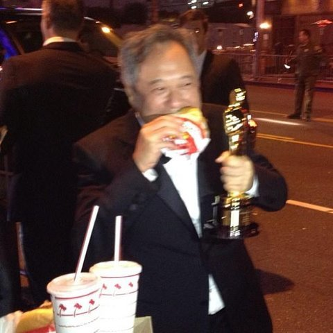 李安奥斯卡颁奖典礼之后吃的什么汉堡?美国连锁汉堡店IN-N-OUT