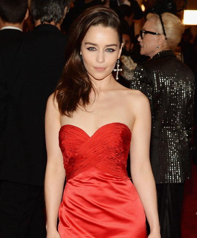 """2013MET纽约大都会时尚盛典 """"龙女""""艾米莉亚·克拉克(Emilia Clarke)"""